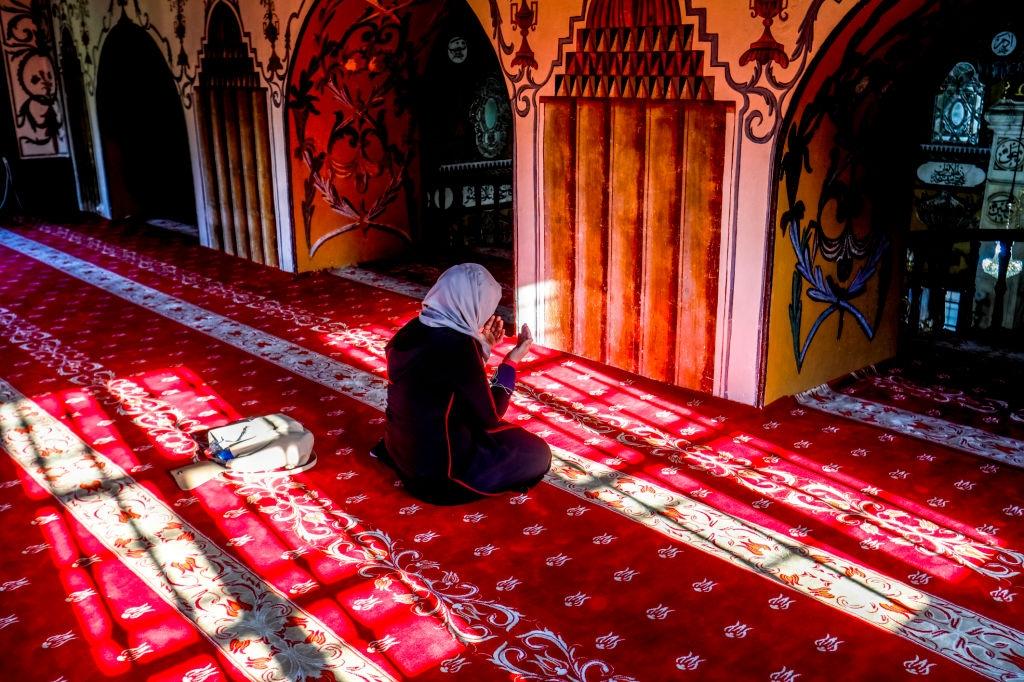 Hukum Perempuan Haid I'tikaf di Masjid