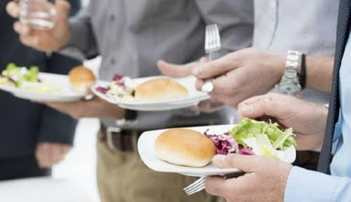 Makan dan Minum Berdiri dalam Hadis Nabi