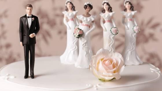 Islam Membolehkan Poligami