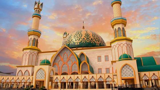 membangun masjid