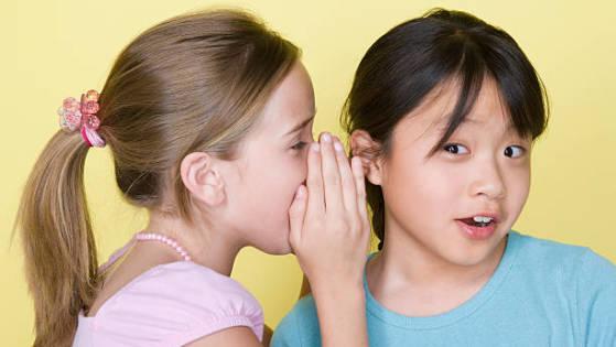 ajarkan anak menjaga rahasia