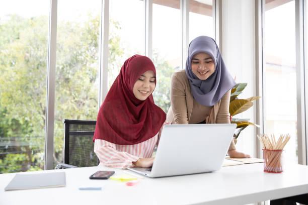 wanita bekerja saat iddah