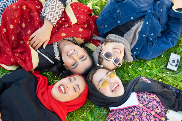 muslim bersahabat non muslim